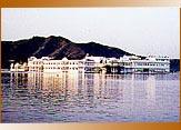 Lake Palace, Udaipur Travels & Tours, Udaipur Taxi, Udaipur Cab, Udaipur Car Rental