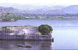 Lake Palace, Udaipur Tourism